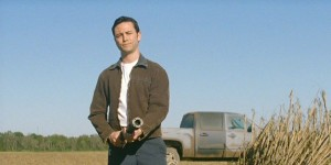 Joseph-Gordon-Levitt-in-Looper-2012-Movie-Image1-600x301